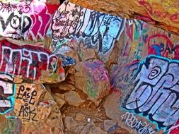 rock painting graffiti