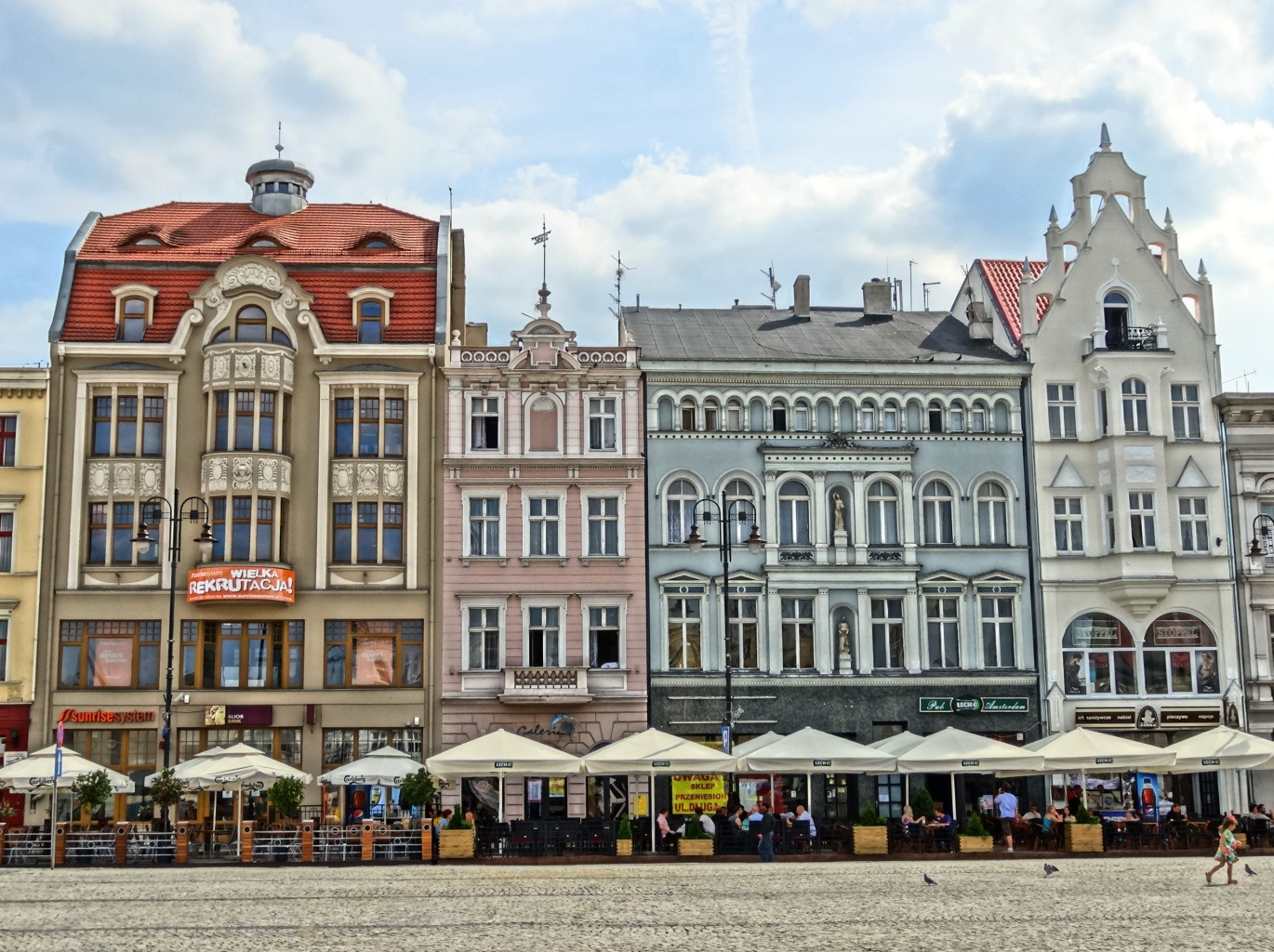 Restorans In The Market Square Building Bydgoszcz Free Image