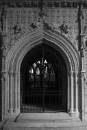 arched entrance to lincoln cathedral