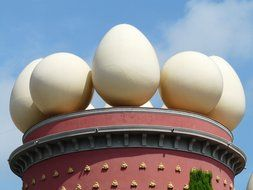 eggs on the tower in dali museum