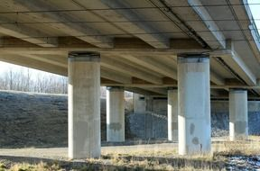 road bridge pillars