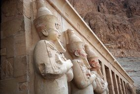 statues of temple of hatshepsut