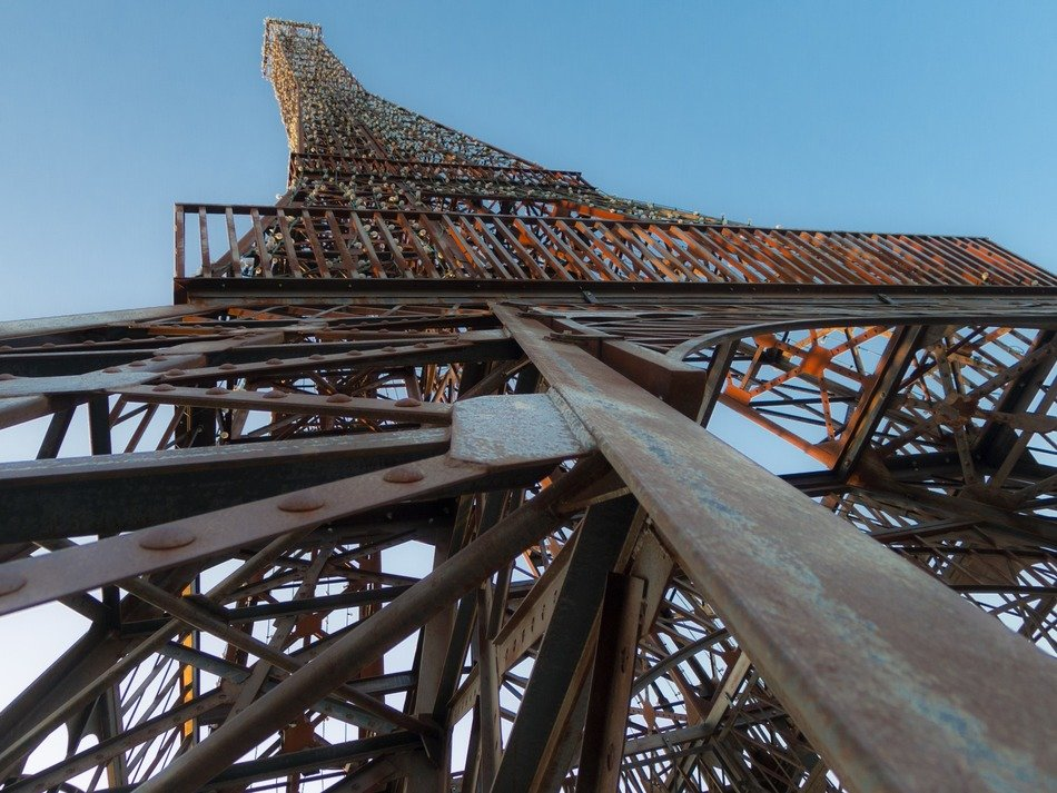 iron construction of Eiffel Tower