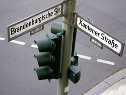 street names as traffic signs at traffic lights
