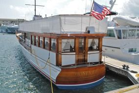 picture of the honeyfitz presidential yacht