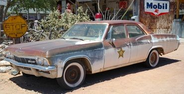 old rusty police car
