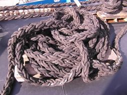 Knot on the ship