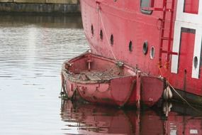 picture of the red dinghy