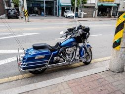 harley davidson motorcycles on the street