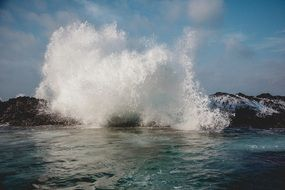 fabulous splashing wave