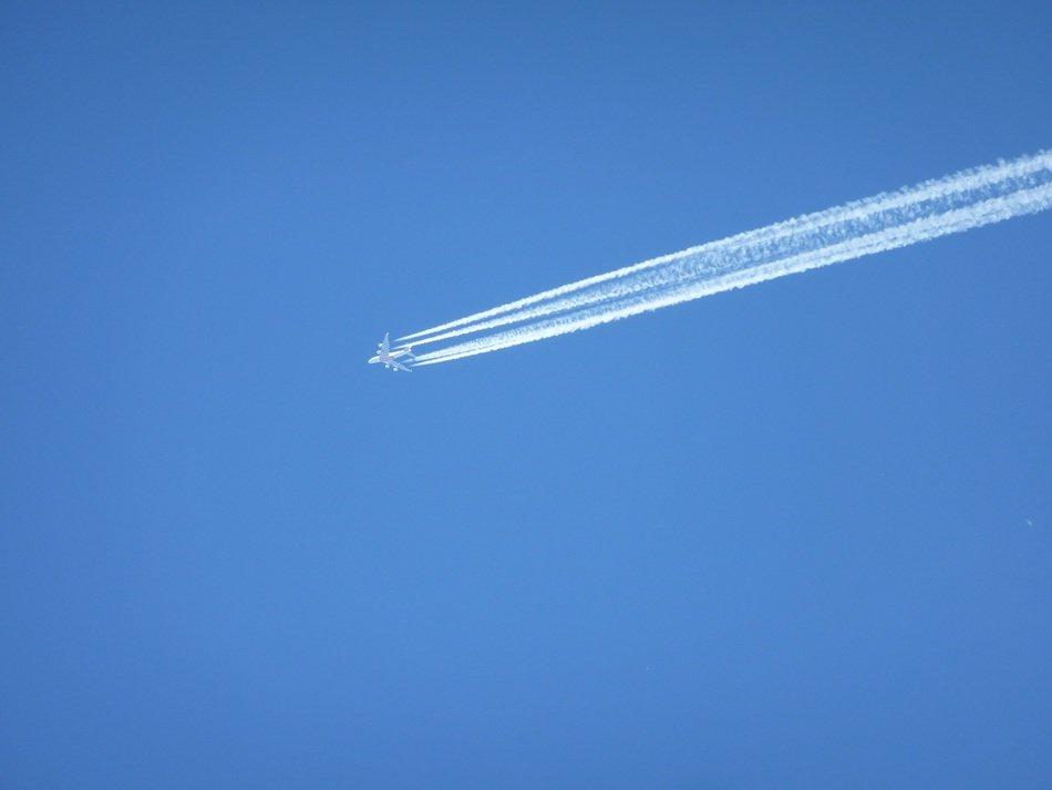 Contrail of the plane
