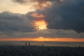 barcelona dawn horizon sky clouds