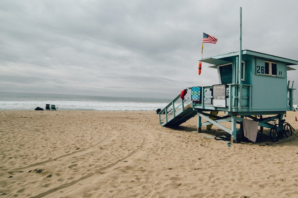 lifeguard hut on the beach