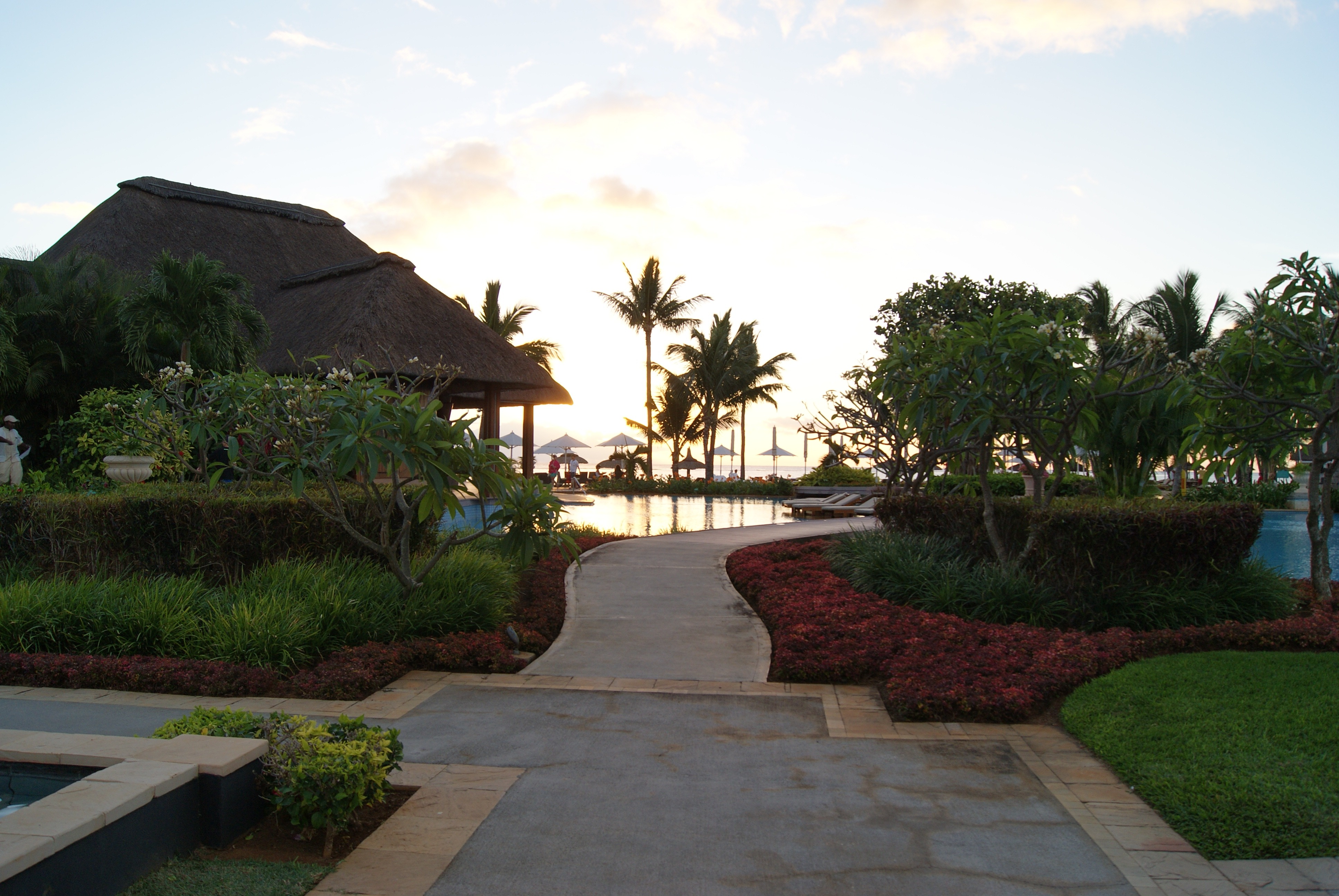 Garden pool relaxation free image for Garden pool pdf