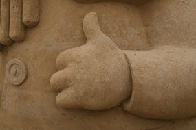 sand sculpture hands art