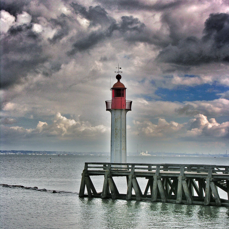 lighthouse porthcawl pier huge - HD1200×1200