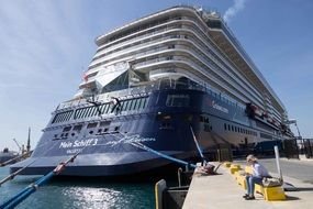 huge cruise ship