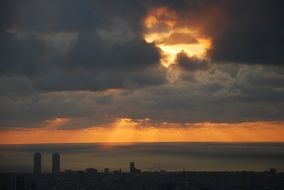 barcelona dawn horizon sky clouds N4