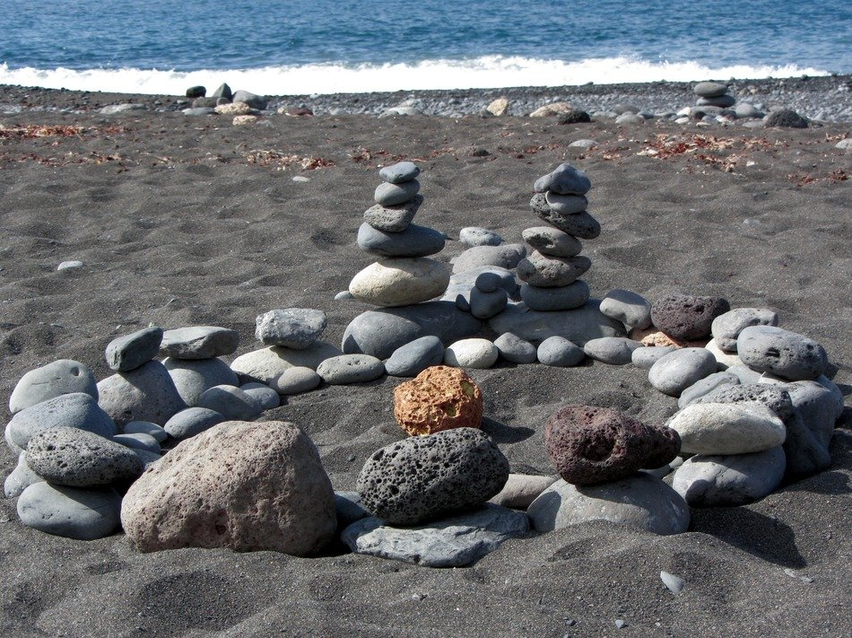 composition of beach stones