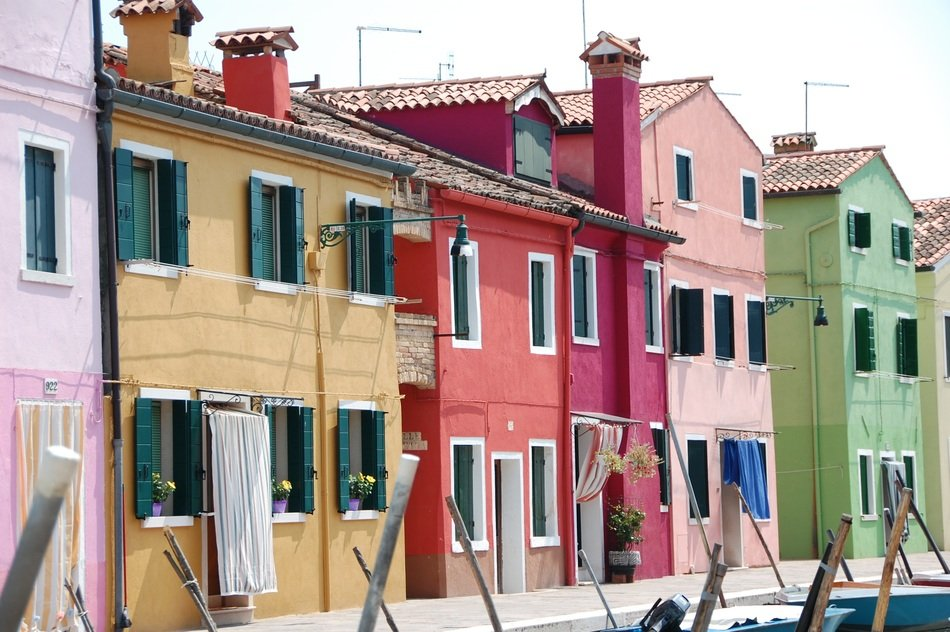 italy murano coloured houses