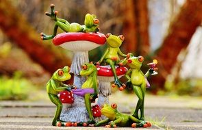 Figures of the frogs