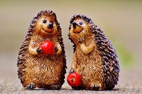 ceramic hedgehogs with apples