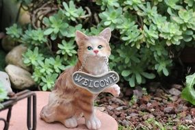 the statue of a cat Welcome