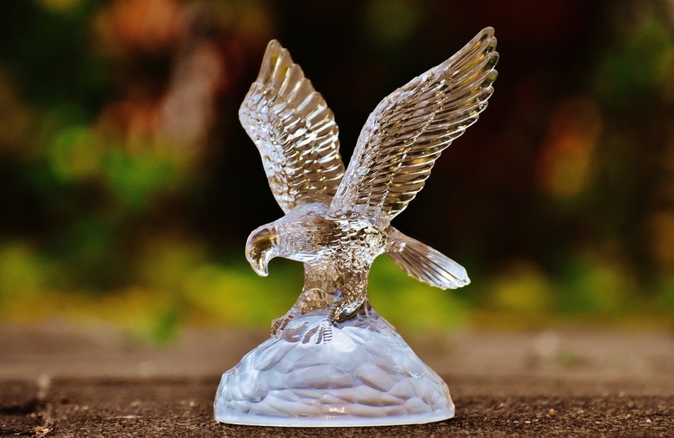 statue of an eagle made of glass