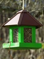 Picture of Birds house with food