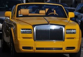 yellow Rollsroyce