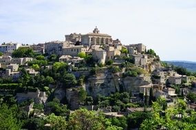 gordes castle on rocky mountain