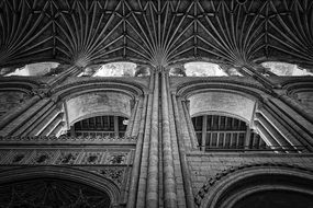 Black and white photo of Norwich cathedral