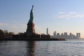 statue of liberty near the water