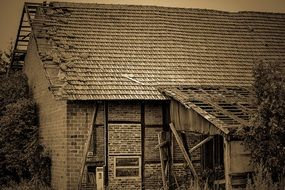 old house barn roof
