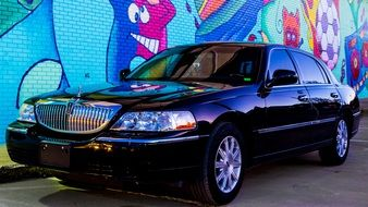 Lincoln Town Car Street Art-Kar