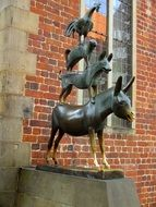 Bronze sculptures of bremen town musicians