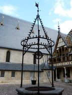 well in courtyard of Hospices de Beaune