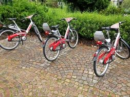 red bikes for hire