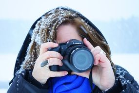 woman photographer in the snow