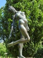 bronze statue of a naked woman