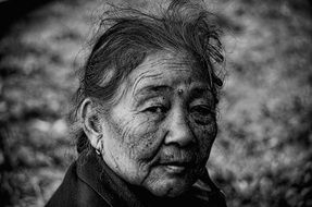 black and white portrait of an old woman