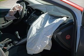 car airbags in an accident