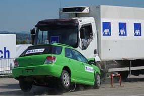 crash test as a head-on collision