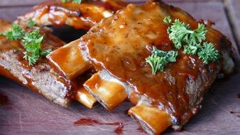 grilled ribs in sauce