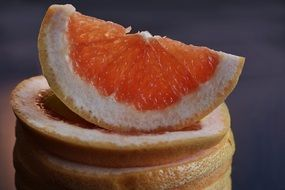 grapefruit slice for healthy eating