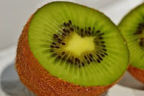 fresh sliced kiwi fruit