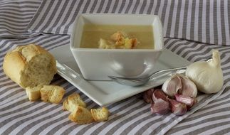 Bread ,garlic and soup