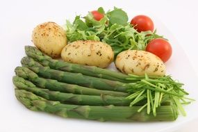 green asparagus and other vegetables