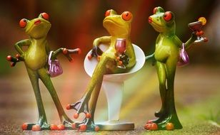 Party time for 3 stylish frogs