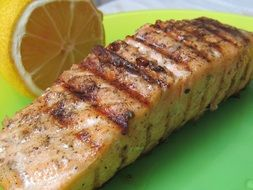 Grilled Salmon with lemon slice
